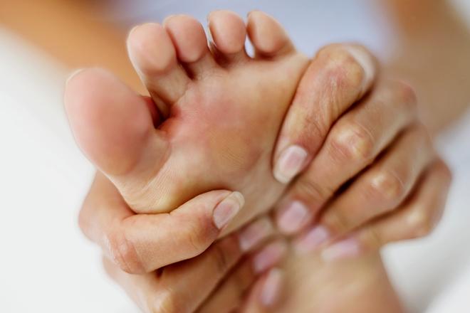 lábujjak közötti kipállás kezelése)